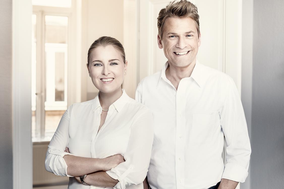 Freuen sich über den gewonnen test-Etat zur Entwicklung und Implementierung einer globalen Kommunikationsstrategie: rlvnt Geschäftsführer Katharina und Matthias Biebl